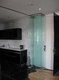 Раздвижные двери стеклянные