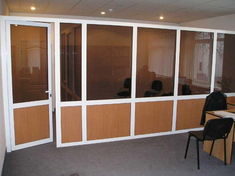 типи офісних перегородок зі скла, фото